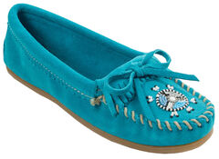 Minnetonka Women's Me To We Moccasins, , hi-res