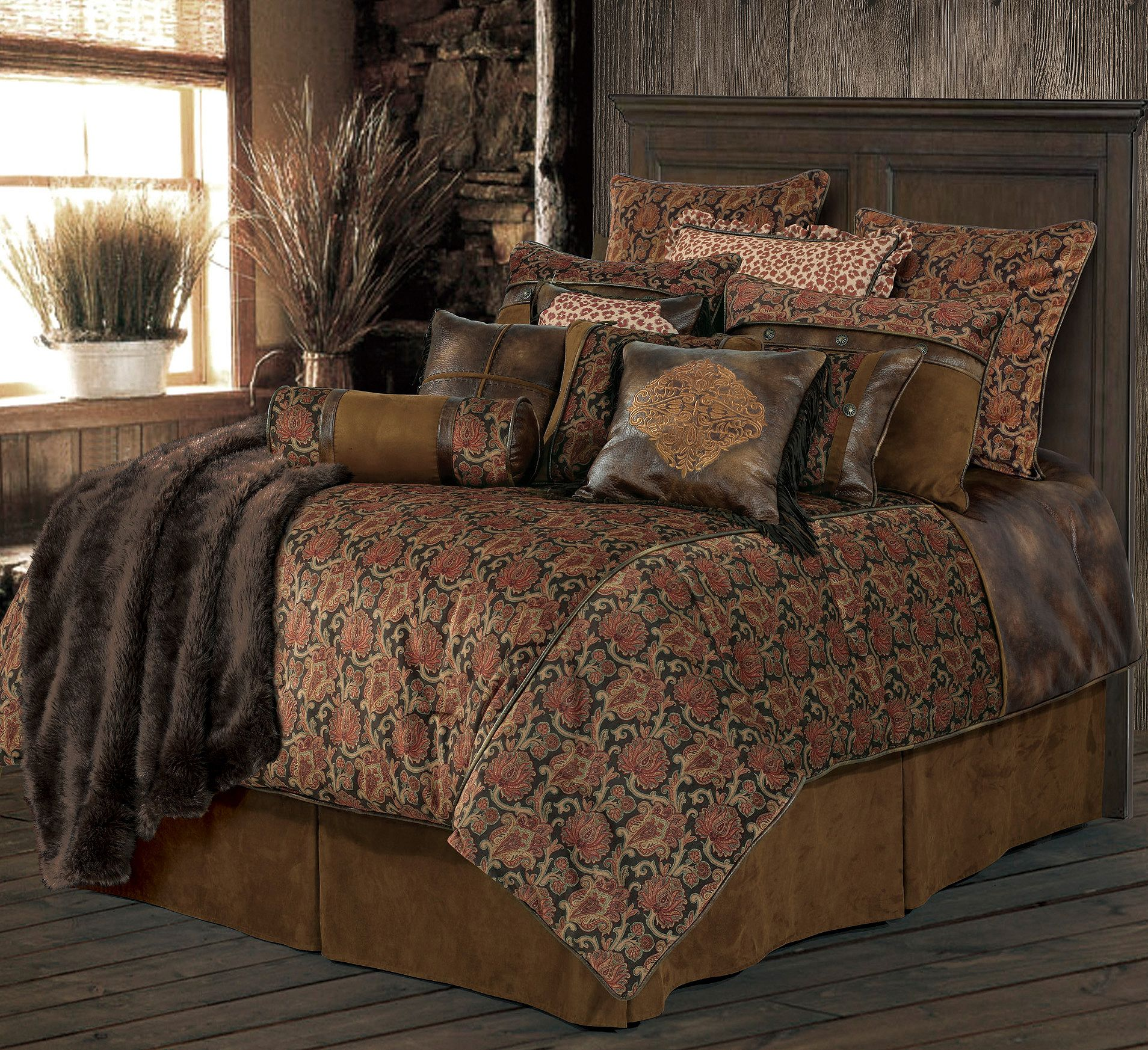Hiend Accents Austin Bed Set King Size Sheplers