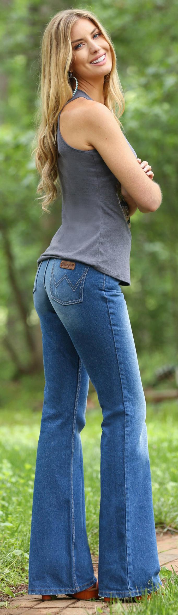 Wrangler Women's High-Waisted Flare Jeans | Sheplers