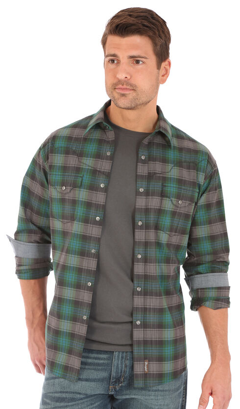 Wrangler Retro Men's Dark Plaid 2 Pocket Long Sleeve Snap Shirt, , hi-res