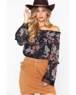 Miss Me Women's Floral Off The Shoulder Scallop Lace Hem, Black, hi-res