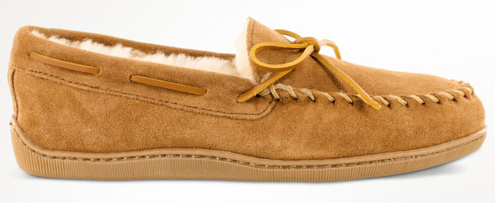 Minnetonka Men's Sheepskin Hardsole Moccasins - Extended Sizes, Tan, hi-res