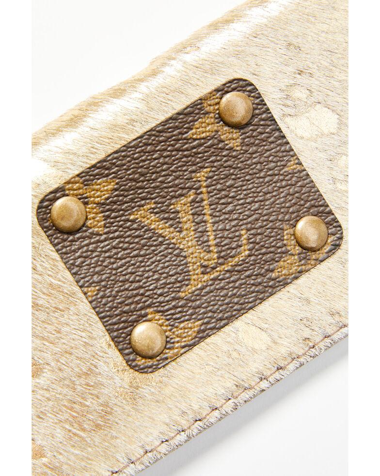 Keep It Gypsy Women's Cowhide Checkbook, Gold, hi-res