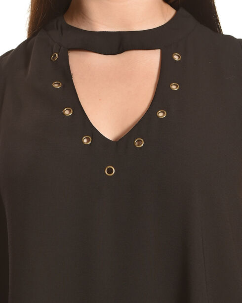 Eyeshadow Women's Choker Neckline Sleeveless Top - Plus, , hi-res
