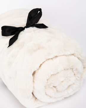 BB Ranch White Faux Fur Throw Blanket, White, hi-res